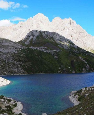 Qizang Valley & Hongxing Lake Trekking