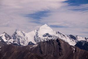 shar dongri mountain peak